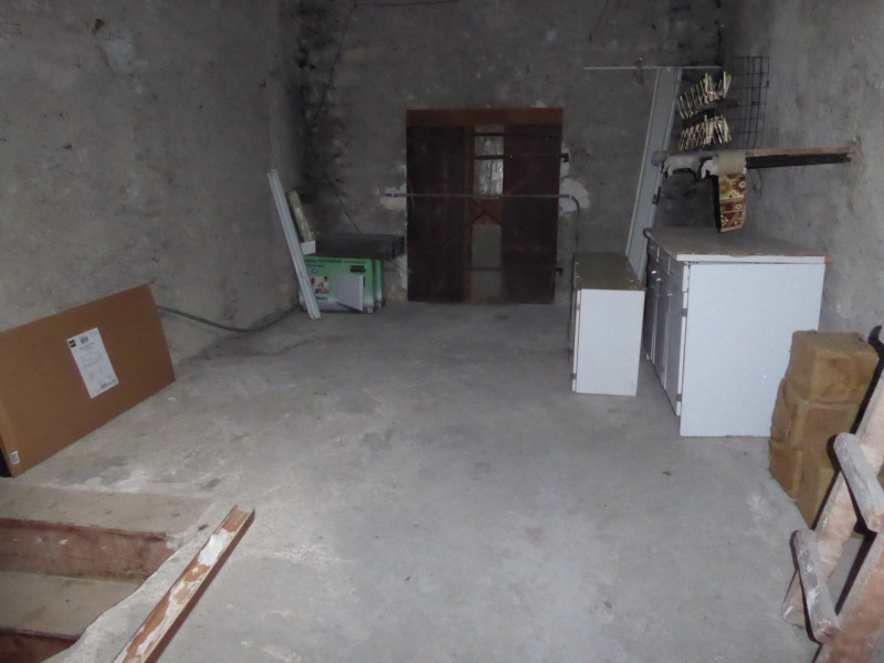 Location maison / villa Villeneuve-de-berg 420€ CC - Photo 12