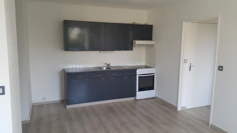 Rental apartment Vaux sur seine 699€ CC - Picture 4