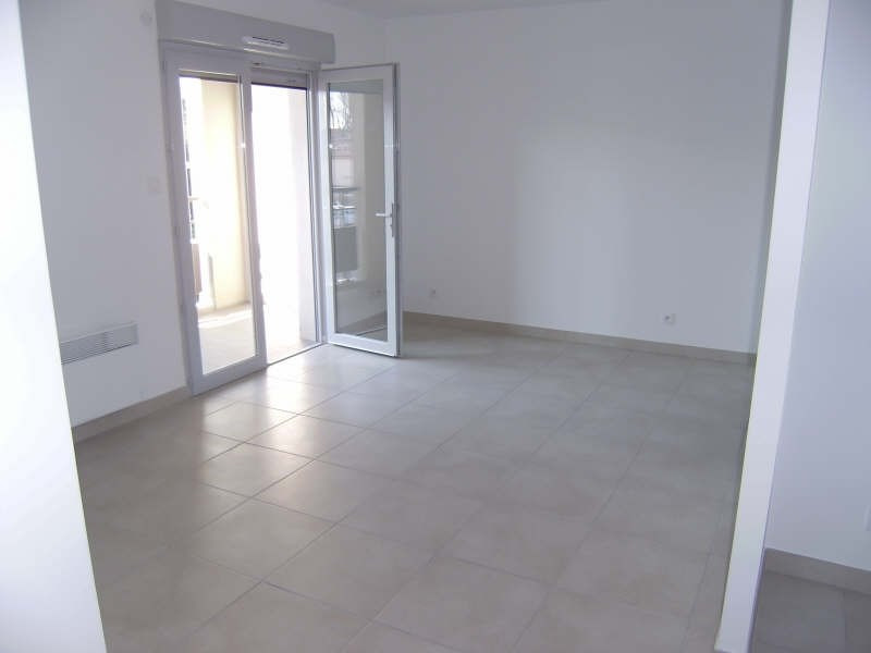 Location appartement Pelissanne 755€ CC - Photo 2
