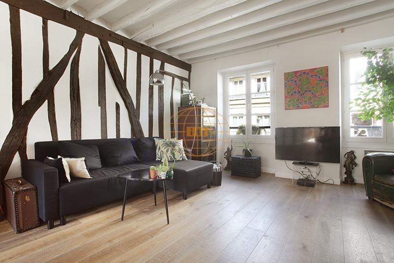 Sale apartment Paris 3ème 830000€ - Picture 2