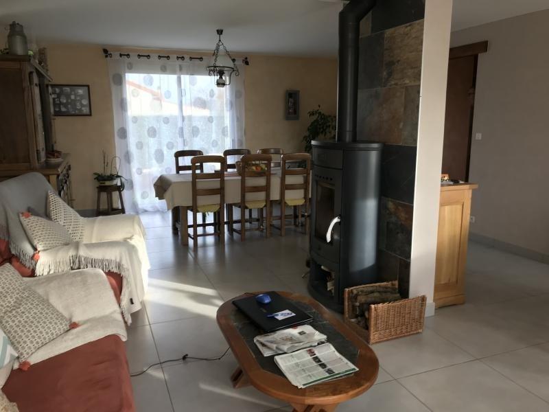 Sale house / villa La chapelle du genet 168600€ - Picture 3