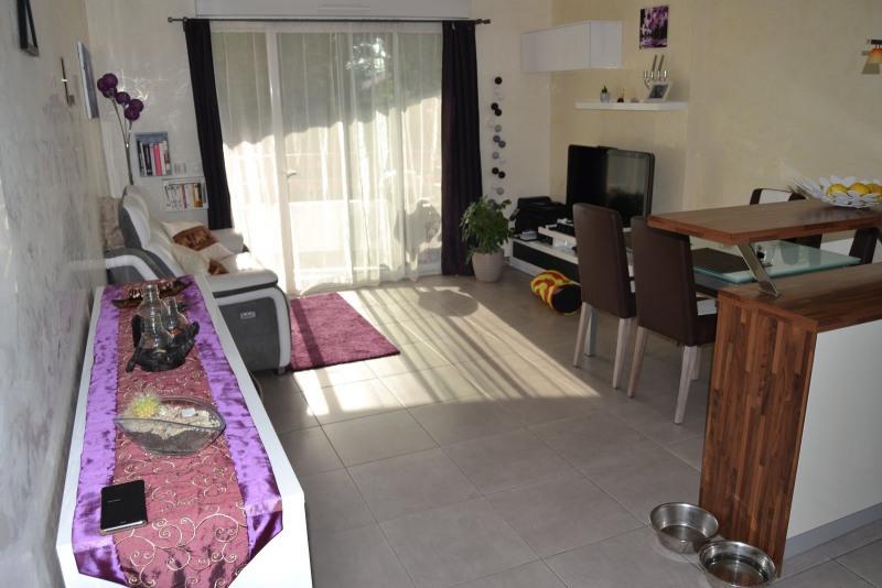 Location appartement Archamps 951€ CC - Photo 3