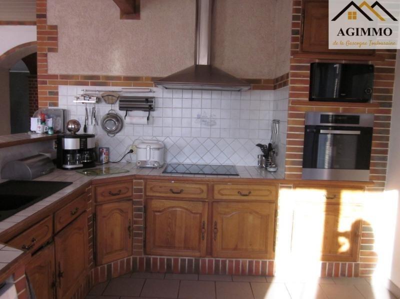 Sale house / villa L isle jourdain 282000€ - Picture 4