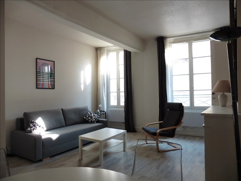 Rental apartment St germain en laye 980€ CC - Picture 2
