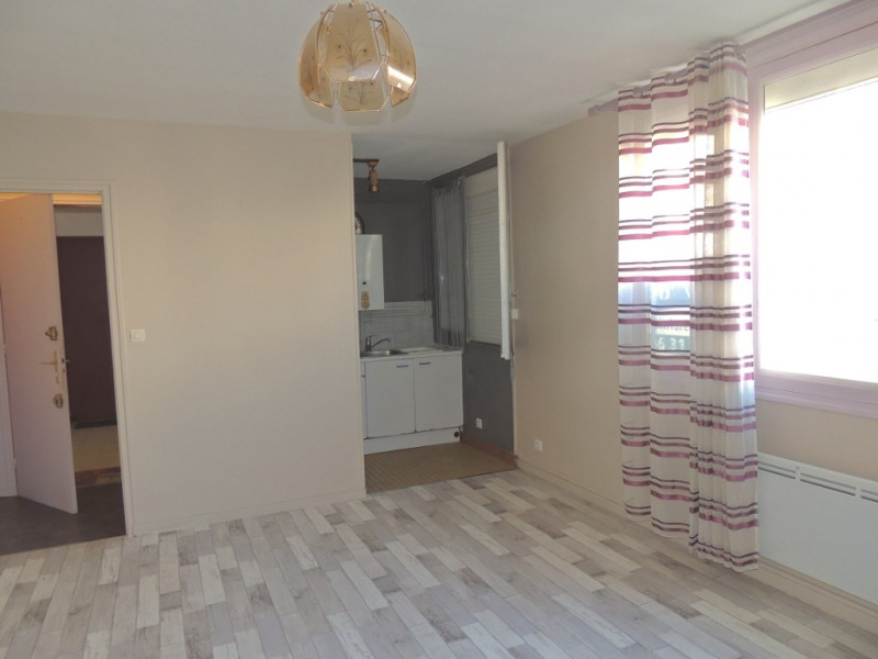 Sale apartment Royan 75 500€ - Picture 2