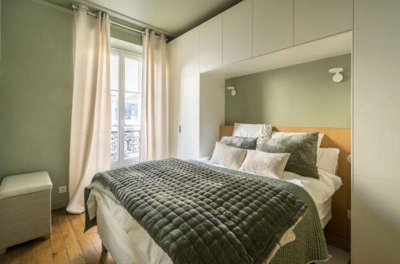Sale apartment Paris 7ème 990000€ - Picture 8