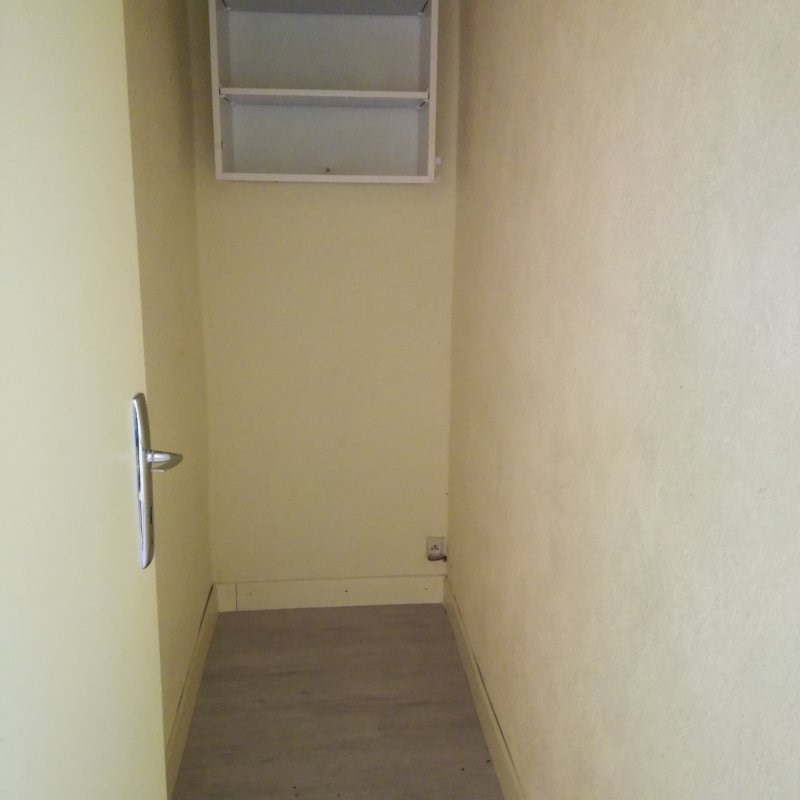 Location appartement Le monastier sur gazeille 390€ CC - Photo 5