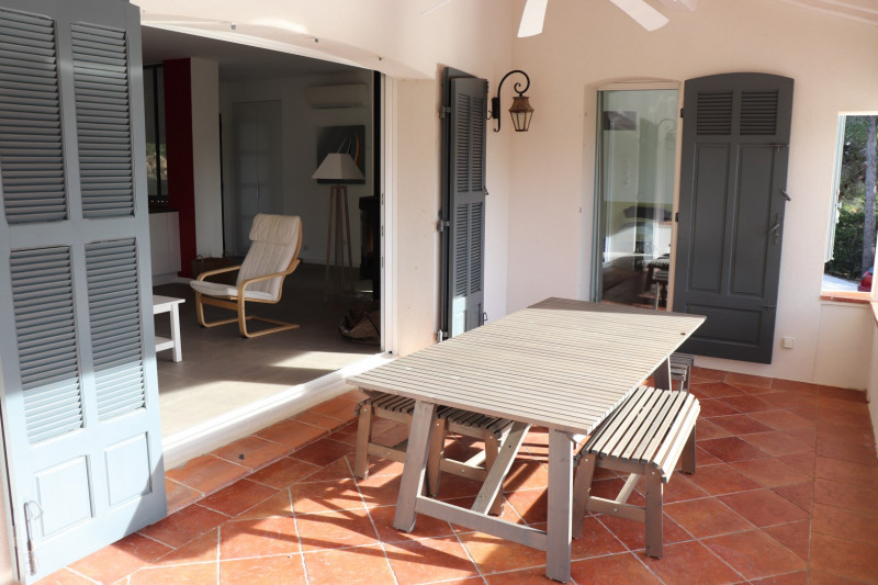 Vacation rental house / villa Cavalaire sur mer 1 000€ - Picture 6