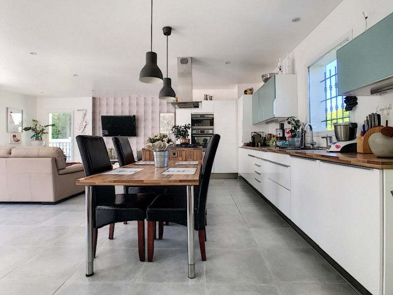 Vente maison / villa Velleron 420000€ - Photo 3