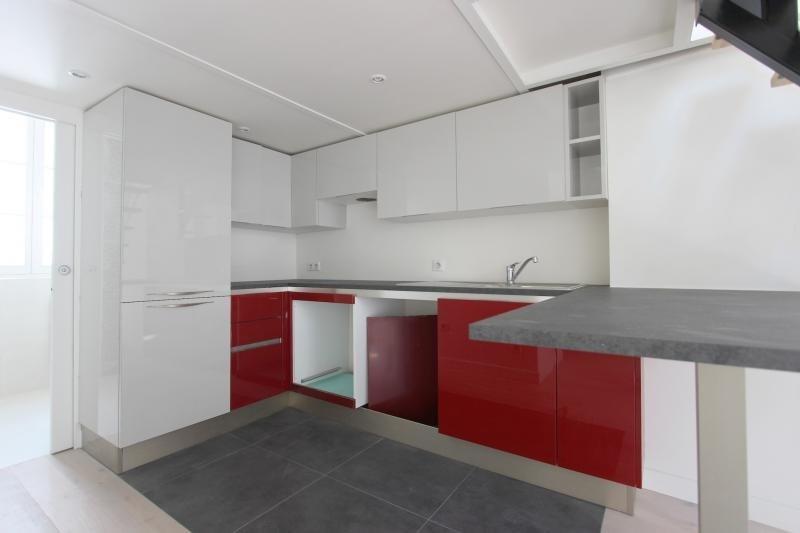 Sale apartment Paris 3ème 650000€ - Picture 4