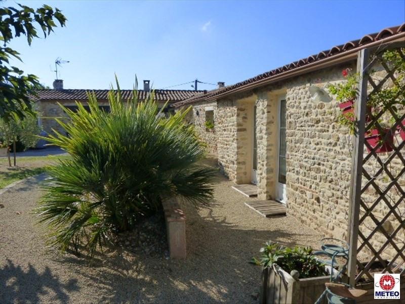Sale house / villa Le bernard 422000€ - Picture 1