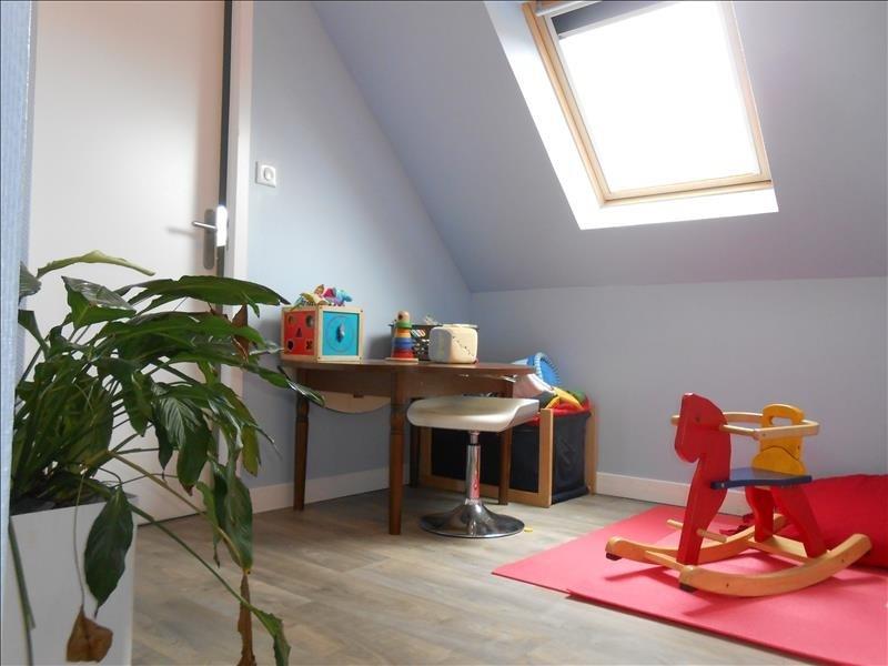 Sale house / villa Pluguffan 169595€ - Picture 7