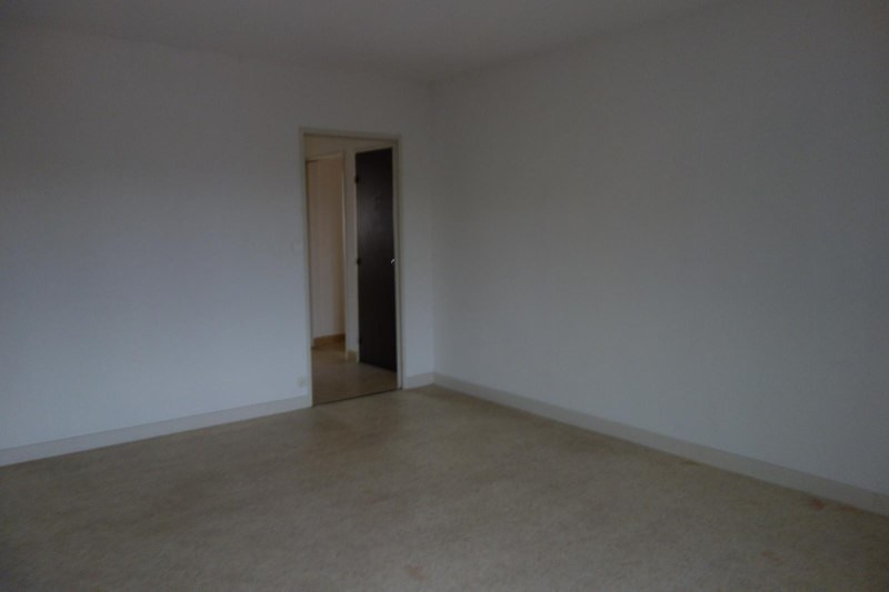 Rental apartment Le coteau 643€ CC - Picture 1