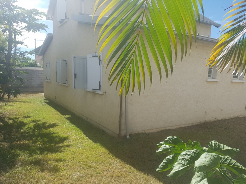 Location maison / villa Bois de nefles st paul 1 270€ CC - Photo 4