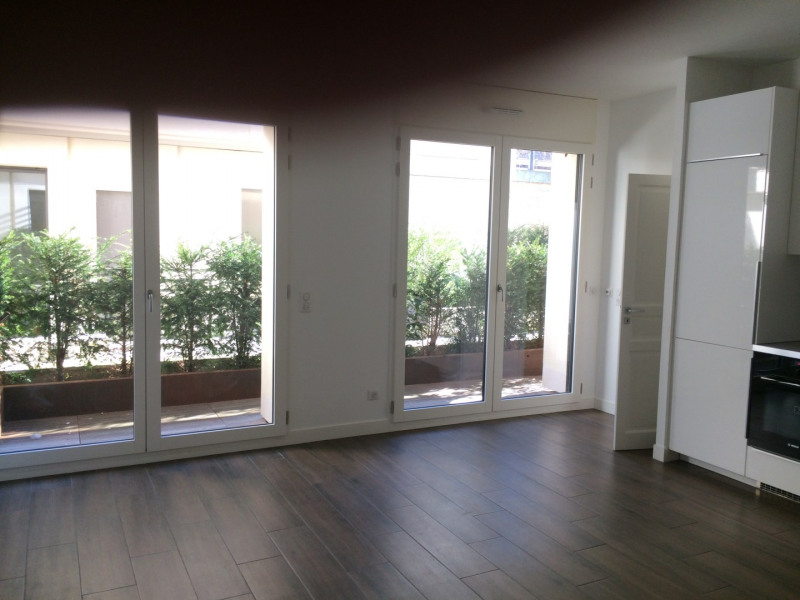 Appartement 3 pièces neuf + PARKING