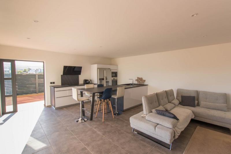 Deluxe sale house / villa Saint gilles les bains 605000€ - Picture 2