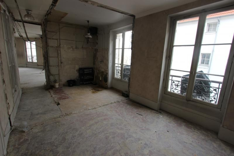 Sale apartment Paris 3ème 779000€ - Picture 3