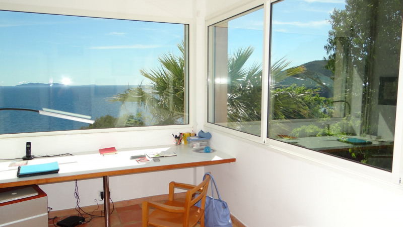 Vacation rental house / villa Cavalaire sur mer 3 500€ - Picture 36