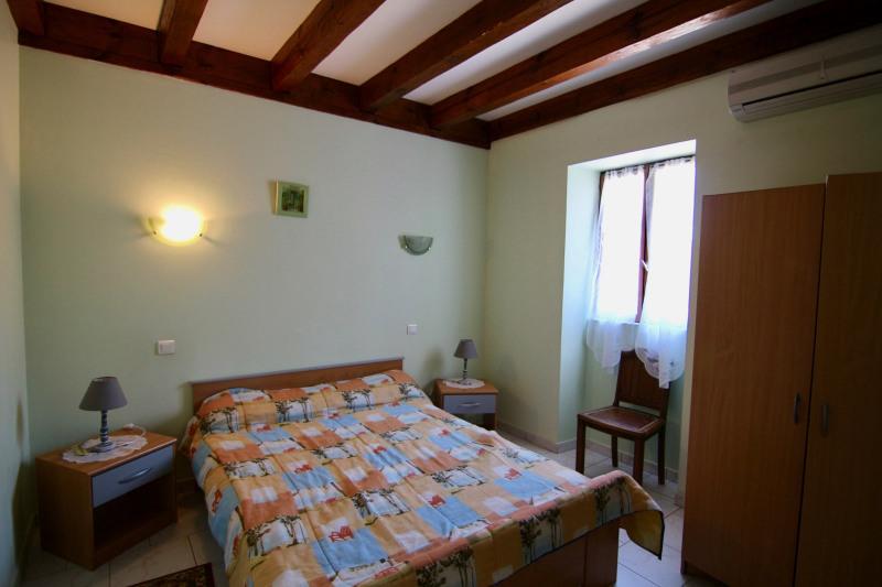 Sale house / villa Meyrals 380000€ - Picture 3