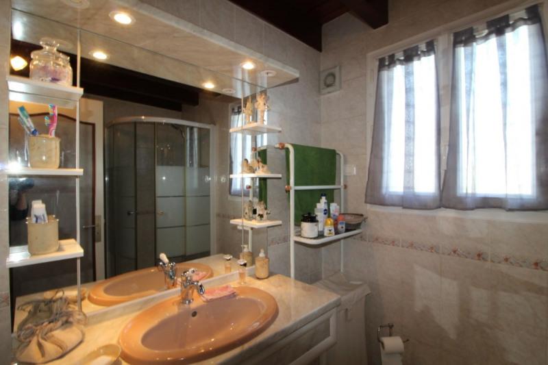 Sale house / villa Le palais 365960€ - Picture 9