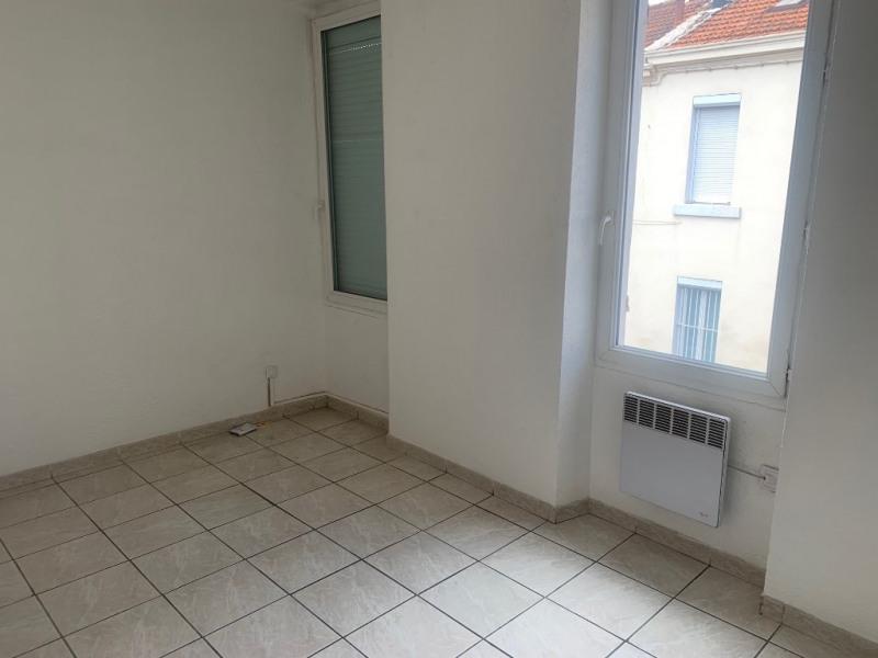 Location appartement Marseille 555€ CC - Photo 4
