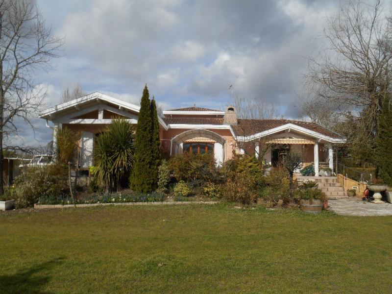 Deluxe sale house / villa La brede 920000€ - Picture 2
