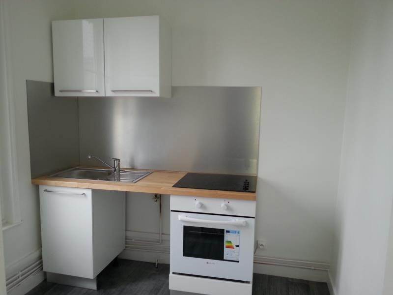 Rental apartment Vendome 490€ CC - Picture 2