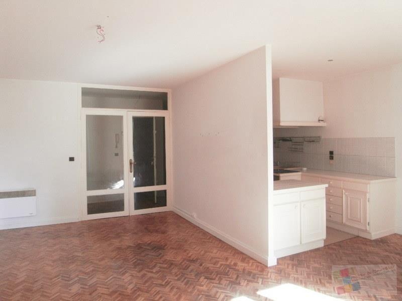 Rental apartment Cognac 540€ CC - Picture 3