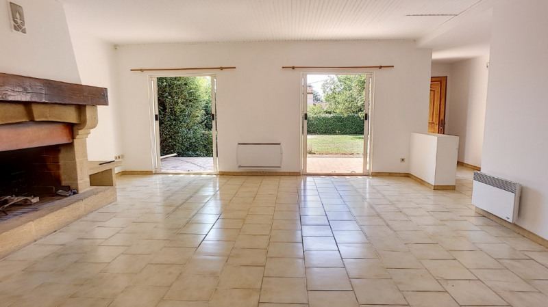 Location maison / villa Aix en provence 1 710€ CC - Photo 1