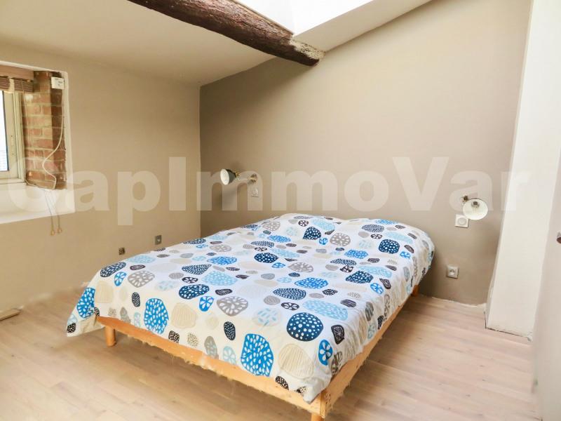 Rental house / villa Le beausset 900€ CC - Picture 4