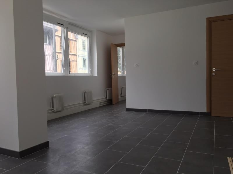 Location appartement Rouen 750€ CC - Photo 2
