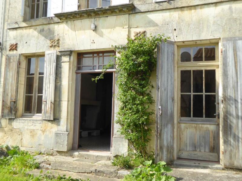 Sale house / villa Cherves-richemont 96750€ - Picture 15