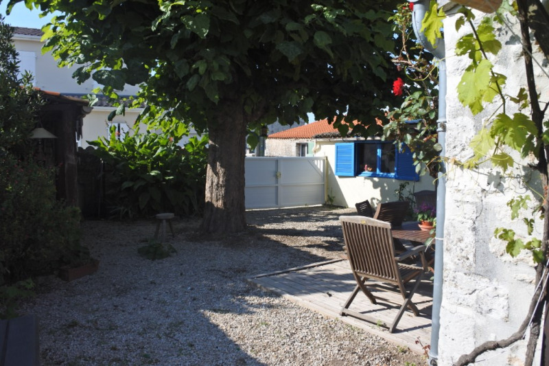 Sale house / villa Saint just luzac 186170€ - Picture 6