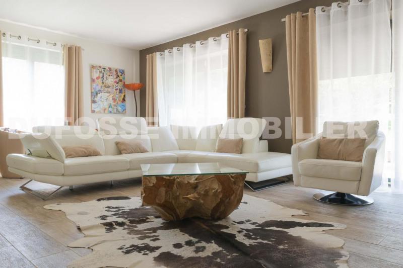 Deluxe sale house / villa Neuville-sur-saône 925000€ - Picture 3