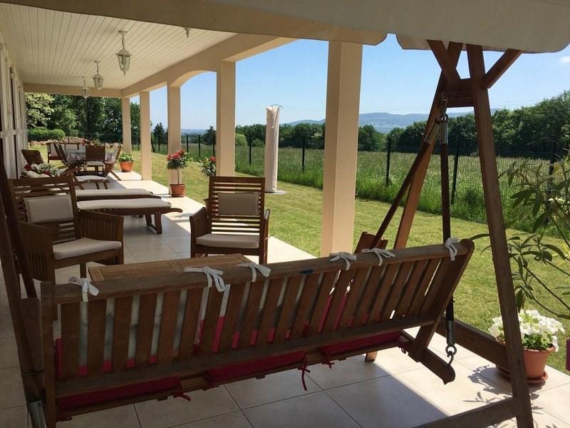 Deluxe sale house / villa Morancé 745000€ - Picture 1