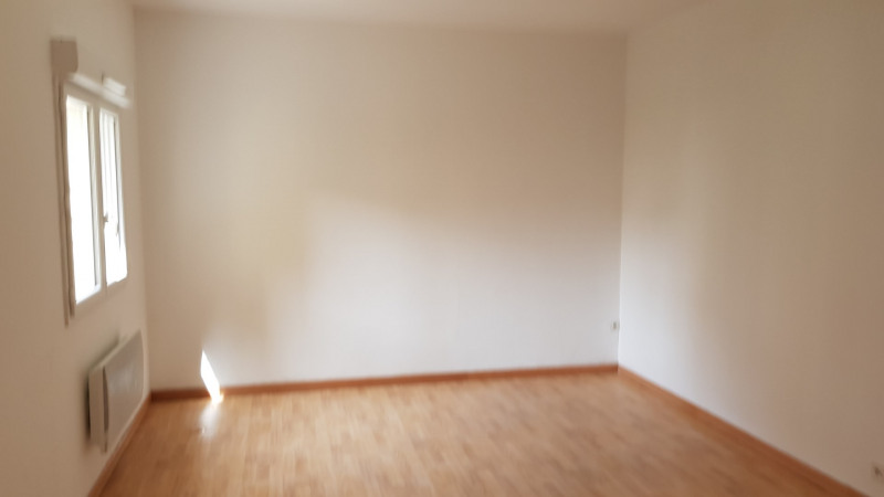 Rental apartment Montlhery 558€ CC - Picture 2