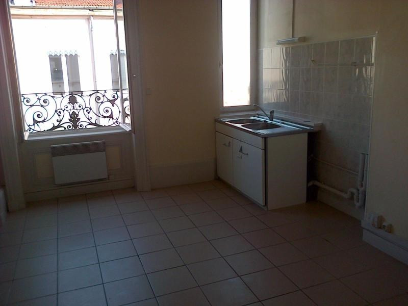 Location appartement Lyon 6ème 991€ CC - Photo 4