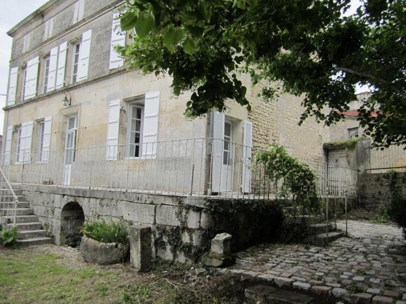 Vente maison / villa Barbezieux-saint-hilaire 197000€ - Photo 1