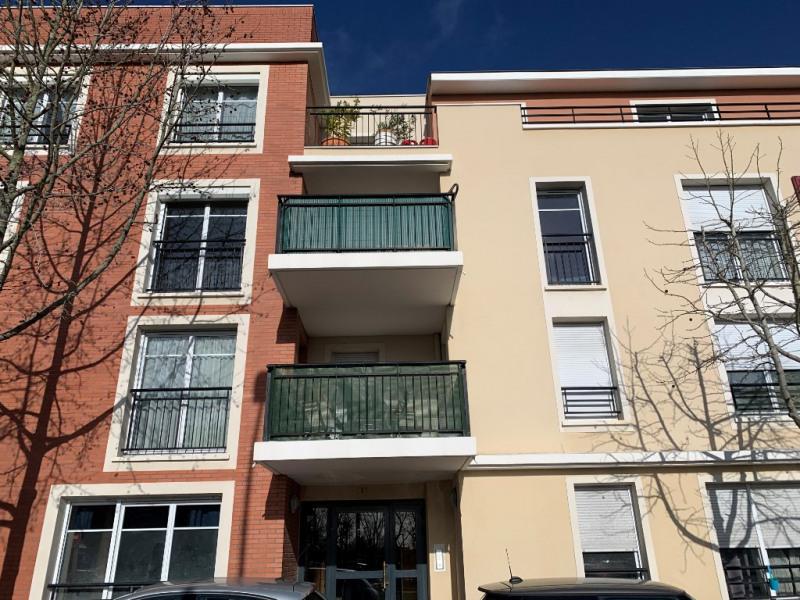 Rental apartment Conflans ste honorine 818€ CC - Picture 1