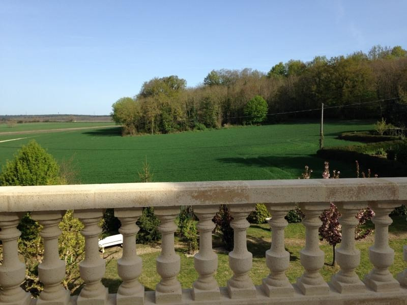 Vente de prestige appartement St benoit la foret 258 000€ - Photo 4