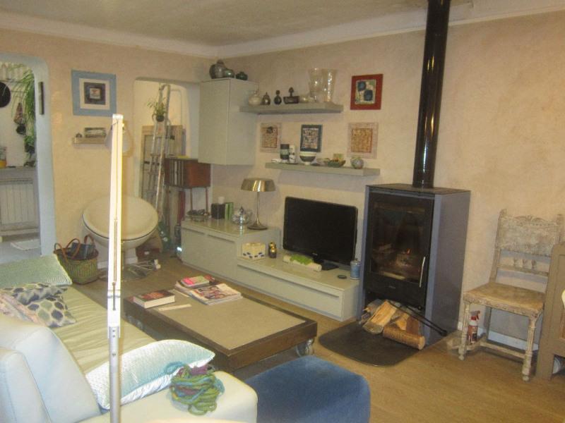 Sale house / villa Lambesc 279000€ - Picture 2