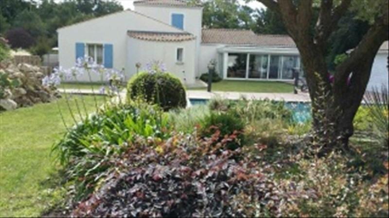 Vente de prestige maison / villa Breuillet 598000€ - Photo 2