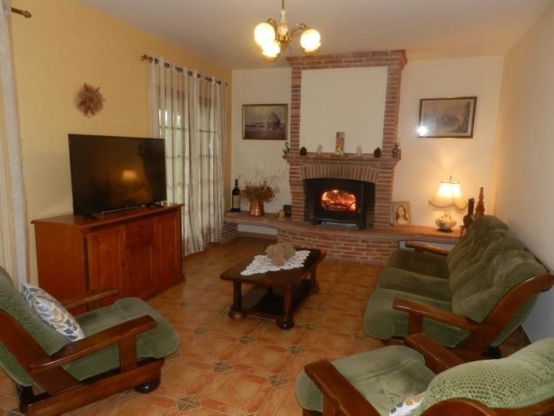 Sale house / villa L isle jourdain 488000€ - Picture 4