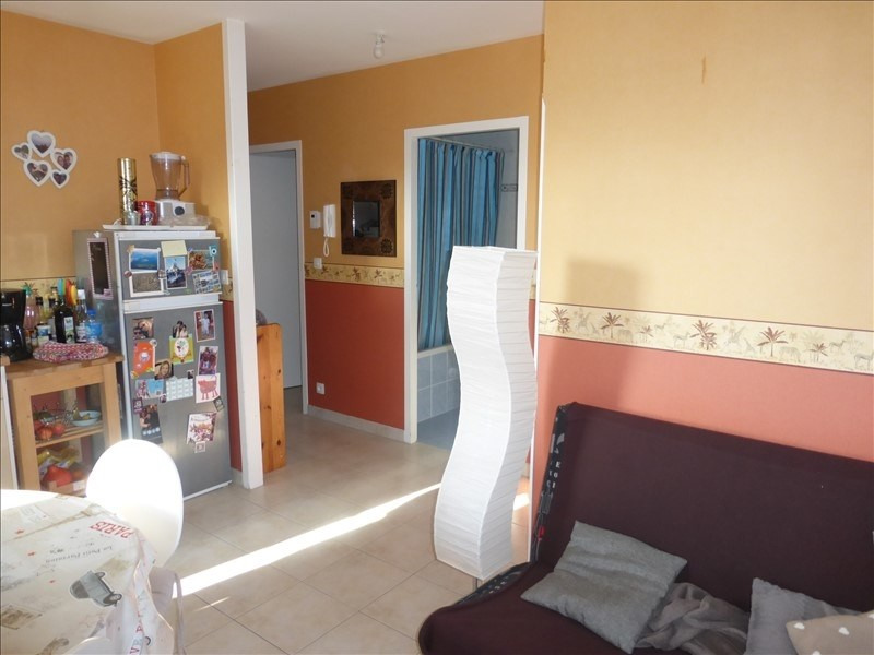 Sale apartment Tonnay charente 102 000€ - Picture 2