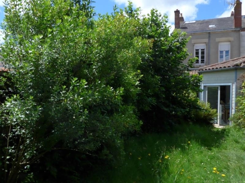Sale house / villa La roche sur yon 295600€ - Picture 1