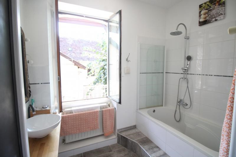 Vente maison / villa Corbelin 252000€ - Photo 12