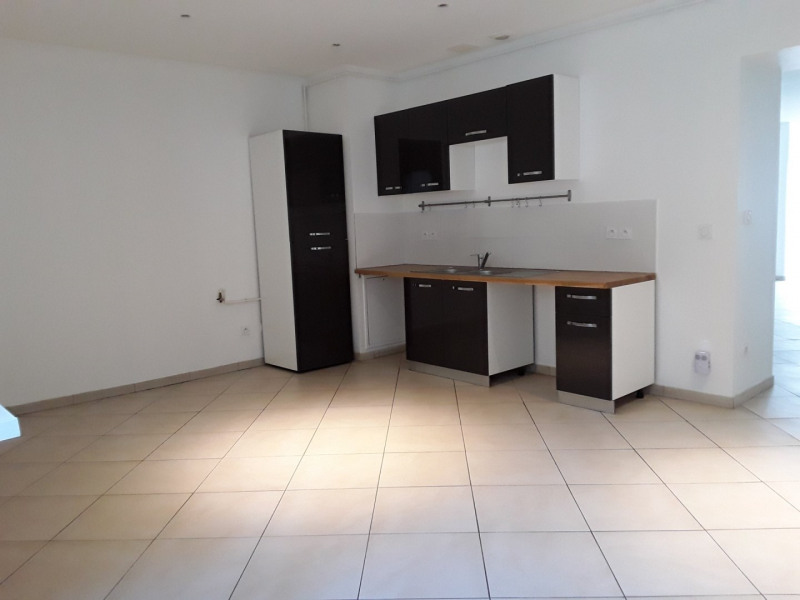 Location appartement Neyron 989€ CC - Photo 1