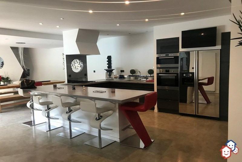 Deluxe sale house / villa Courthezon 599000€ - Picture 4