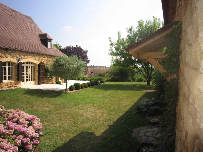 Sale house / villa Saint-cirq 357000€ - Picture 5