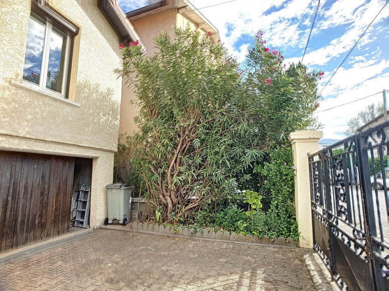 Investment property house / villa Saint-martin-d'hères 325000€ - Picture 16